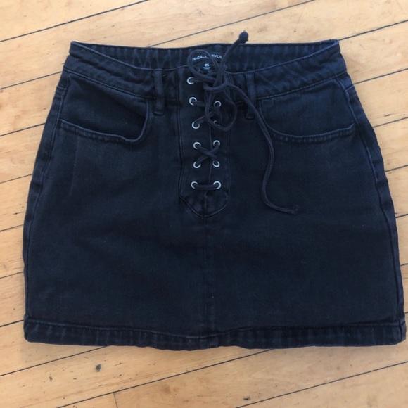 Kendall & Kylie Dresses & Skirts - Kendall & Kylie black skirt